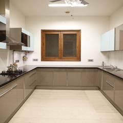 Tủ bếp theo QBOID DESIGN HOUSE,