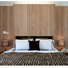 名人雅仕(住宅設計案 2013):  牆面 by 北歐制作室內設計