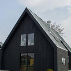 Casas de madera de estilo  por Nico Dekker Ontwerp & Bouwkunde