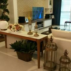 Sala de jantar / estar: Salas de estar ecléticas por ALA Arquitetura e Interiores