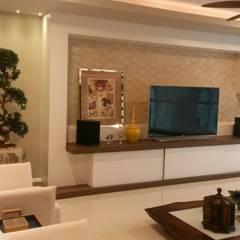Home theater: Salas multimídia  por ALA Arquitetura e Interiores