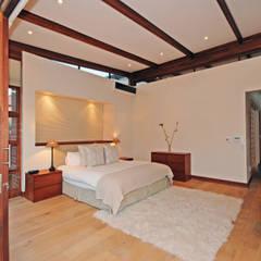 House Beswick:  Bedroom by Hugo Hamity Architects , Modern