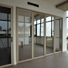 Puertas de estilo  por 喬克諾空間設計