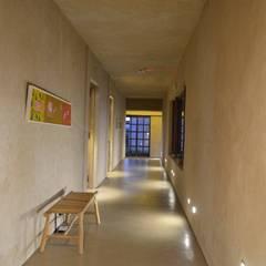 AlPasion Lodge: Hoteles de estilo  por Bórmida & Yanzón arquitectos