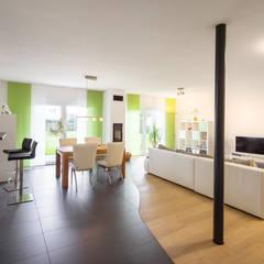 NIVO - Auf einer Ebene, auf einem Niveau:  Esszimmer von FingerHaus GmbH
