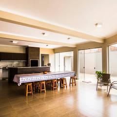 Varanda Gourmet: Garagens e edículas clássicas por Arch & Design Studio