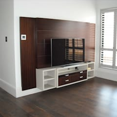 Media room by CKW Lifestyle Associates PTY Ltd, Eclectic Solid Wood Multicolored