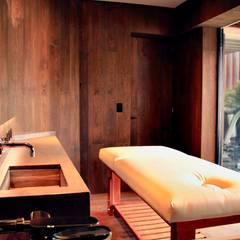Spa de estilo  por Structure Diseño & Arquitectura