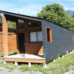 REFUGIO M-1  43,47m2: Casas prefabricadas de estilo  por Casabella
