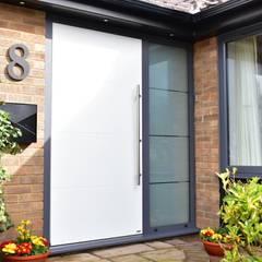 أبواب رئيسية تنفيذ RK Door Systems, حداثي الألومنيوم / الزنك
