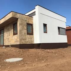 Construcción Terminada Vivienda Premium Lt37 / 125m2 / Fundo Loreto. La Serena.: Casas prefabricadas de estilo  por Territorio Arquitectura y Construccion - La Serena