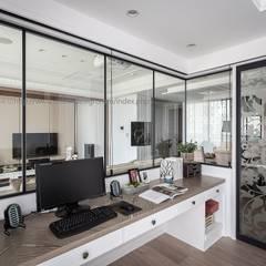 Studeerkamer/kantoor door 鼎士達室內裝修企劃