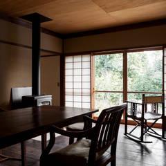 山陵の家: 中山建築設計事務所が手掛けたダイニングです。