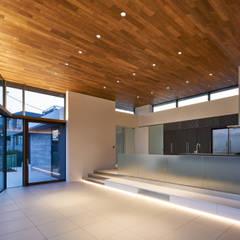 目白の住宅: 有限会社コンパクツ一級建築士事務所が手掛けた一戸建て住宅です。