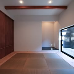 山梨の箱形の家: 石川淳建築設計事務所が手掛けた和室です。,ミニマル