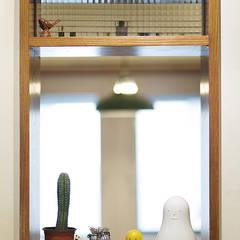 Wooden windows by 미우가 디자인 스튜디오