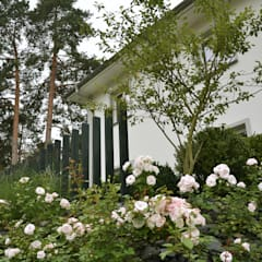 Berliner Stadtvilla - Elegante und zeitlose Raumgestaltung:  Vorgarten von Fine Rooms Design Konzepte GmbH