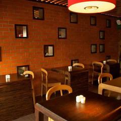 DISEÑO DE RESTAURANTES / Mobiliario para restaurantes: Restaurantes de estilo  por B&Ö Arquitectura interior y muebles | Diseño de bares y restaurantes / Interiorismo y Decoración México.