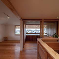 斑鳩の家: 中山建築設計事務所が手掛けた子供部屋です。