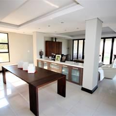 Ruang Keluarga oleh Nuclei Lifestyle Design, Modern