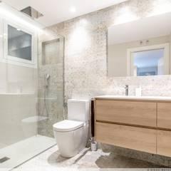 Bathroom by TALLER VERTICAL Arquitectura + Interiorismo