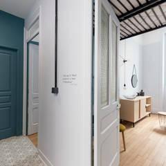 Cool'oc : Couloir et hall d'entrée de style  par Rénow