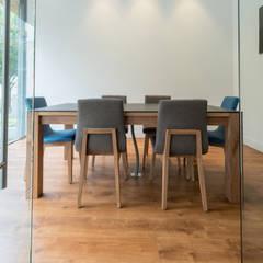 Sala de Juntas : Oficinas y Tiendas de estilo  por Pisos Millenium
