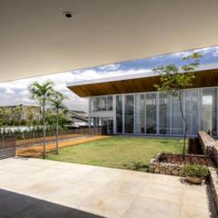 Rumah tinggal  by Olaa Arquitetos
