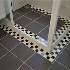 ห้องน้ำ โดย 築地岩移動宅,