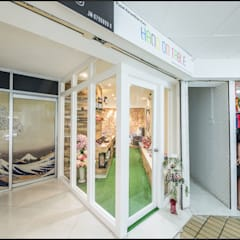 Nail and Beauty Salon in Holiday Plaza :  Commercial Spaces by Enrich Artlife & Interior Design Sdn Bhd