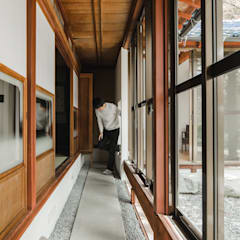 shimotoyama-house-renovation クラシカルスタイルの 玄関&廊下&階段 の ALTS DESIGN OFFICE クラシック