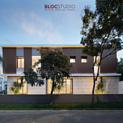 PIKtangular House:  Villa by BlocStudio