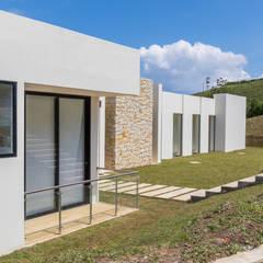Projekty,  Dom rustykalny zaprojektowane przez astratto