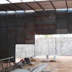 Club Unique  / Proyecto - Dirección Técnica: Bares y Clubs de estilo  por GS TALLER DE ARQUITECTURA,Industrial