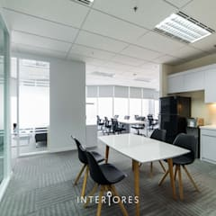 Offices & stores by INTERIORES - Interior Consultant & Build,