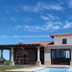 Vivienda en Algodon - Lote E26: Casas de estilo colonial por Azcona Vega Arquitectos