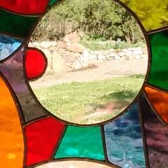Ventanas de madera - Vitrales Mosaico: Casas de campo de estilo  por Construyendo Reciclando