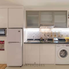 Kemang Village - Studio Apartment:  Dapur by INTERIORES - Interior Consultant & Build