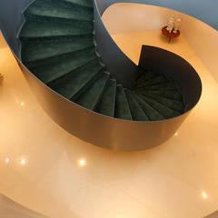 Escadaria: Hotéis  por Larforma