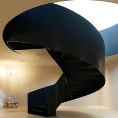 A escada: Hotéis  por Larforma