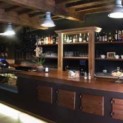 La Bohème - Restaurant & Café - Florence: Sala da pranzo in stile  di Studio Bennardi - Architettura & Design