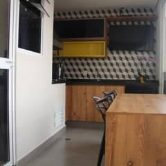Apartamento 06: Terraços  por P.B Arquitetura