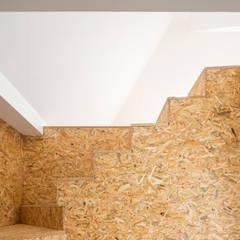 # PF_Moradia Unifamiliar: Escadas  por FERREIRARQUITETOS