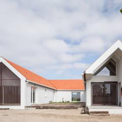 Maison individuelle de style  par FERREIRARQUITETOS