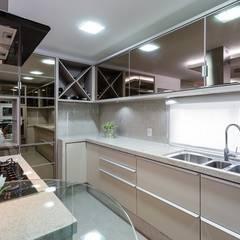 Tủ bếp theo Mais Art & Design,