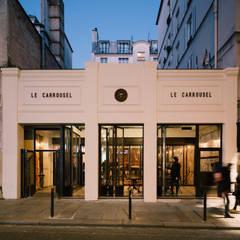 Le Carrousel: Maisons de style  par Varinot & Varinot Architectes