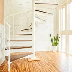 螺旋階段: LobeSquareが手掛けた階段です。