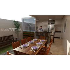 Cozinha e banheiro em residência: Armários e bancadas de cozinha  por Studio Grená Arquitetura e Interiores