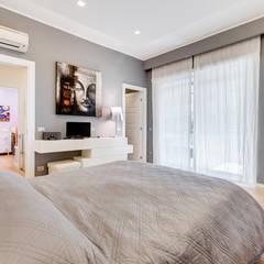 Fleming | Minimal Design: Camera da letto in stile  di EF_Archidesign