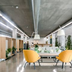 :  Study/office by PICHARCHITECTS